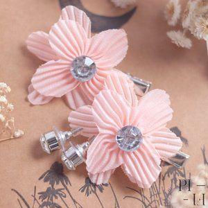 NWOT flower pink hair clip & silver stone earrings